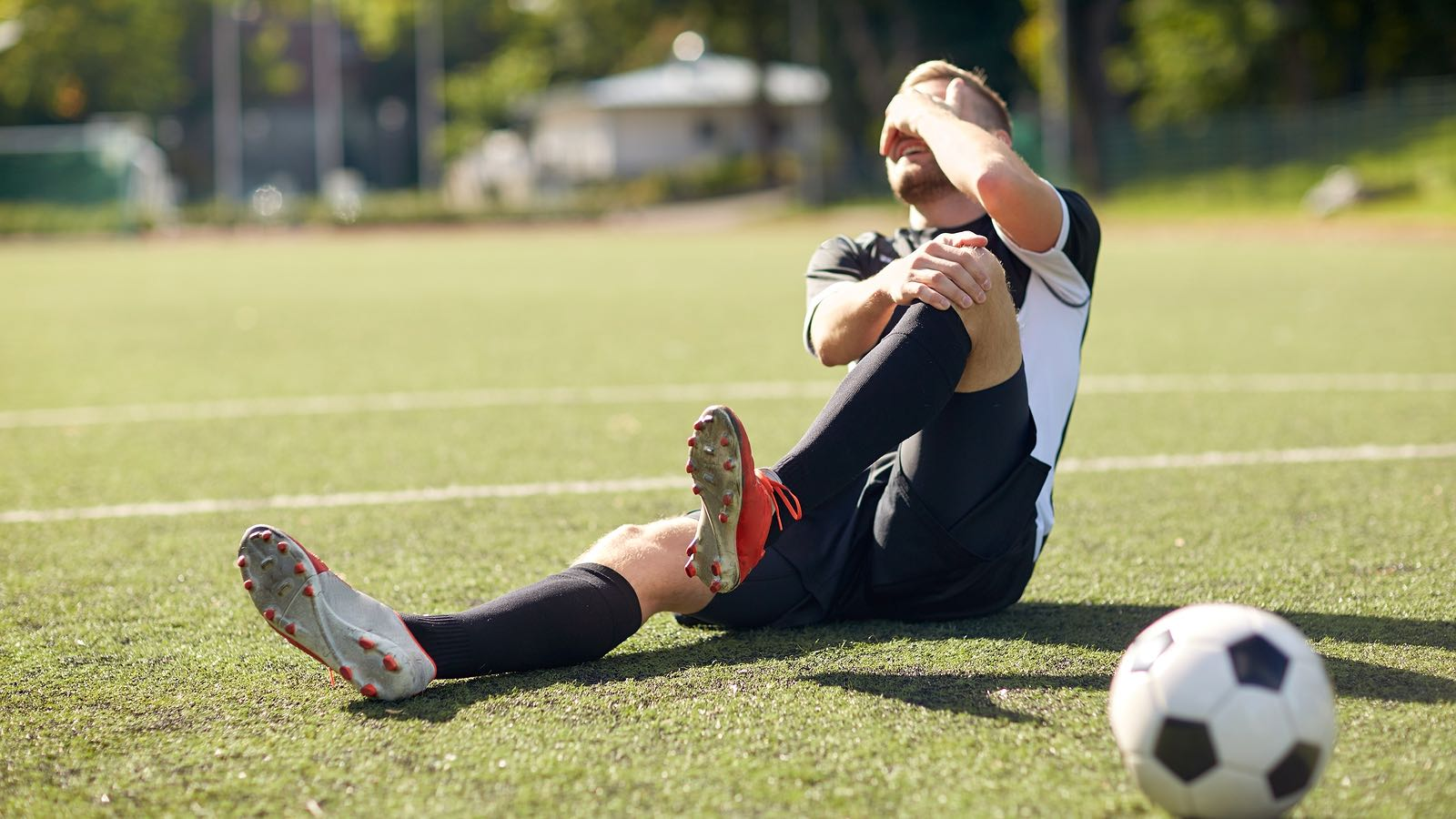 Knee Assessment and Hip Mechanics : Learn how hip and pelvis mechanics can influence the knee