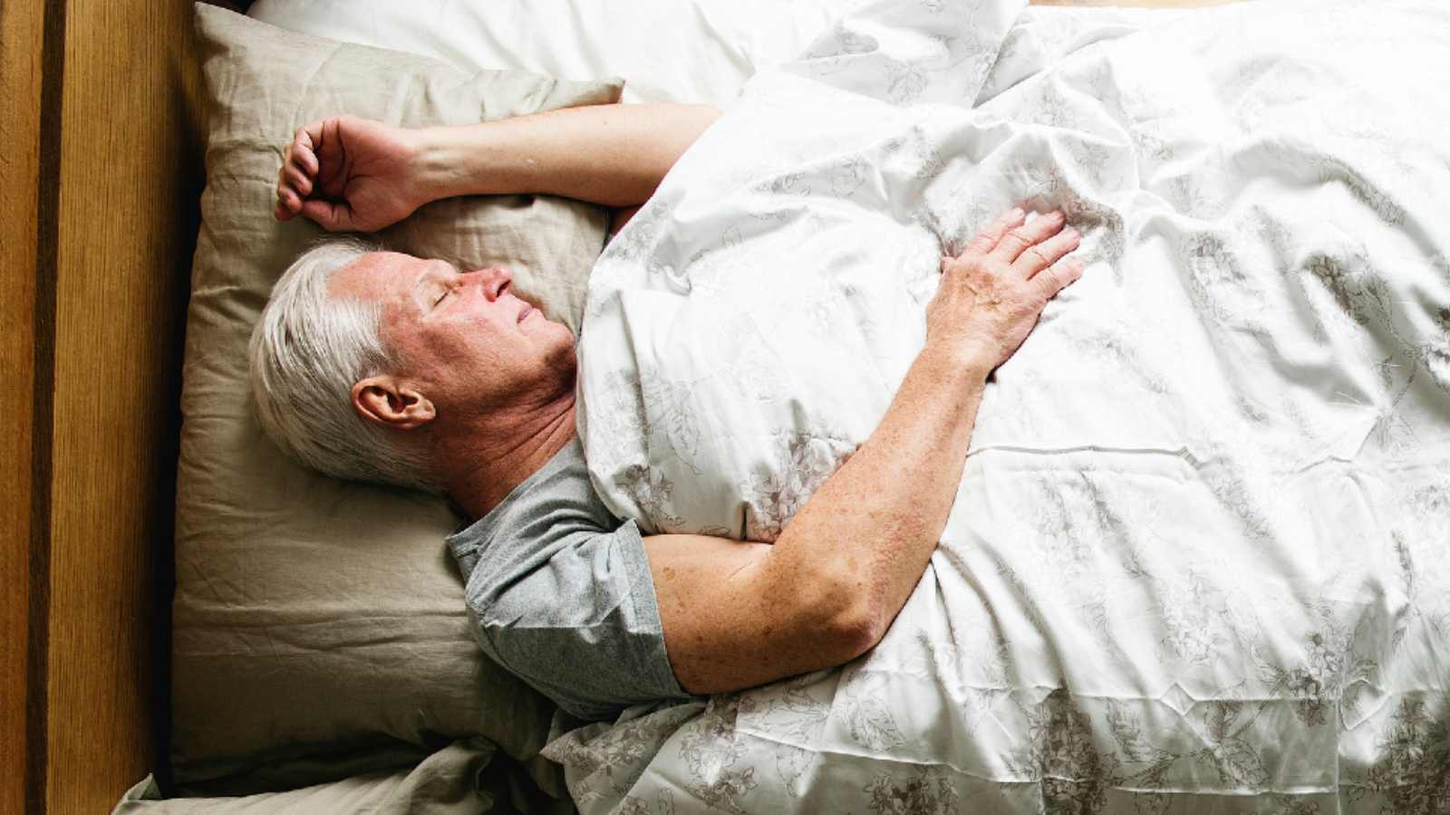 How We Sleep : A review of sleep regulation and its assessment