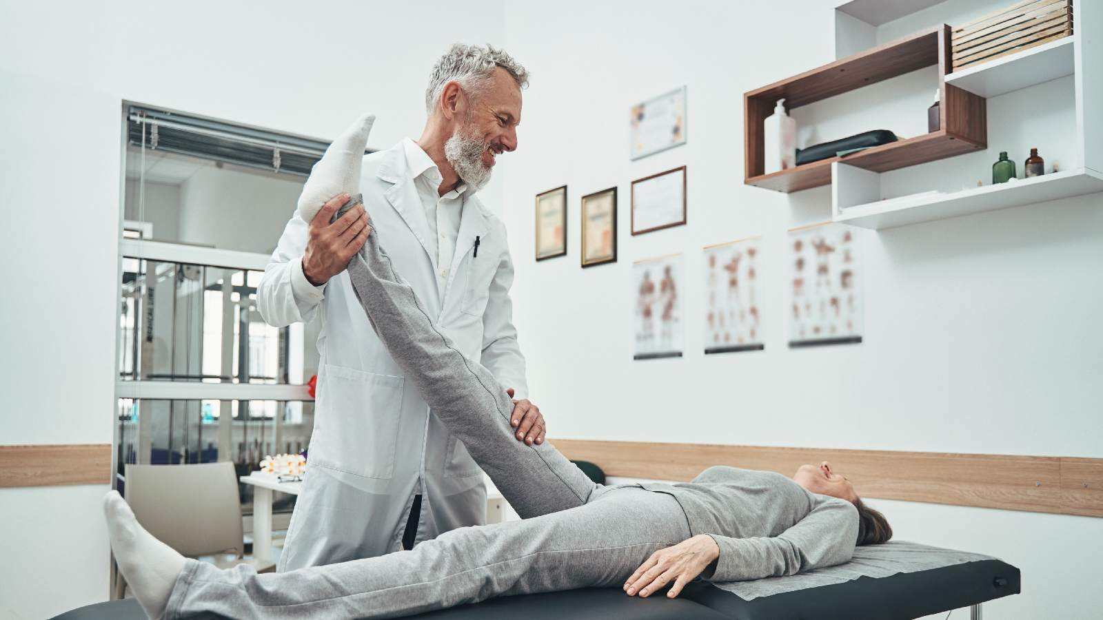 An Introduction to Clearing the Lumbar Spine : Using expert clinical reasoning skills to quickly rule lumbar spine pathology in or out when a patient has peripheral pain